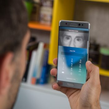 Galaxy S8 iris scanner pic